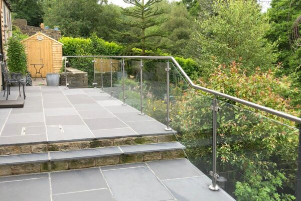 GLASS + STAINLESS HAND RAIL (4)