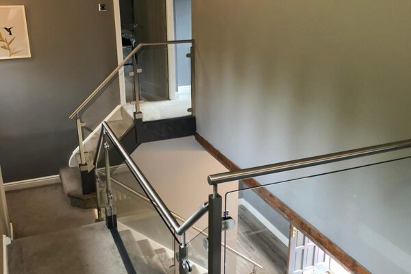 GLASS + STAINLESS ON STAIRCASE IN HOUSE (6)